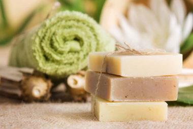 Shampoing solide 100% naturel Aullyn | Soins Naturels Cheveux Crépus à l'Huile de Noix de Coco et Beurre de Karité